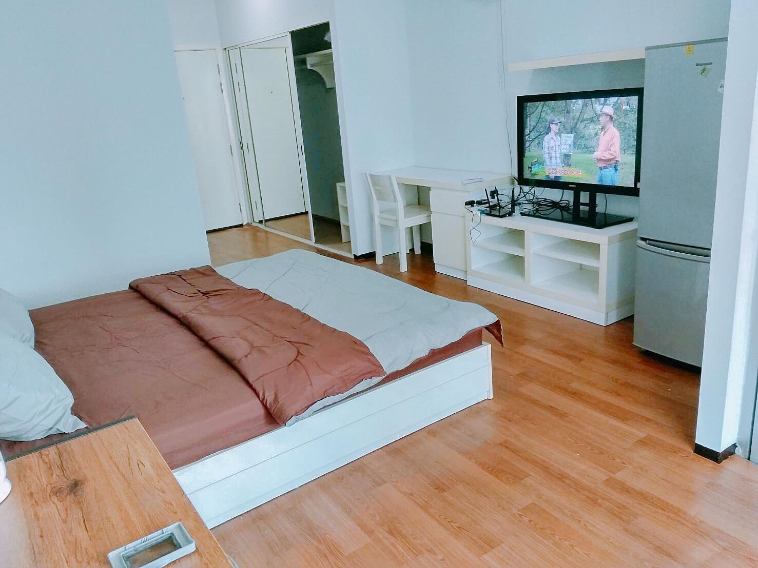 wattana bangkok stay hostel