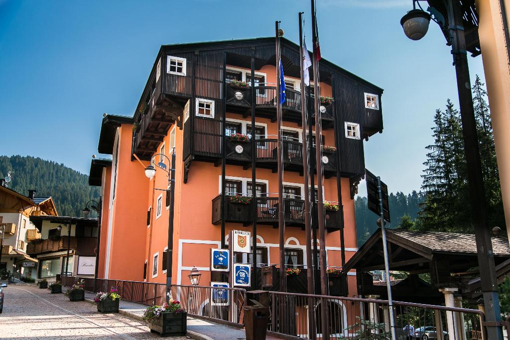 Ufficio Legno Hotel : Hotel posta r.t.a.
